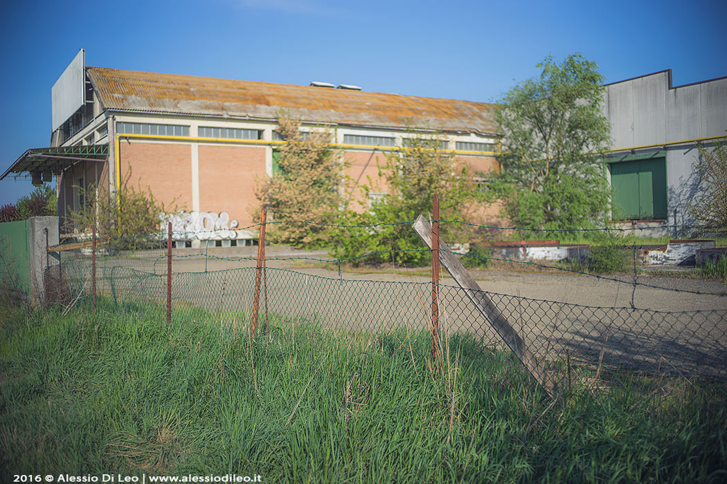 Urbex capannone abbandonato